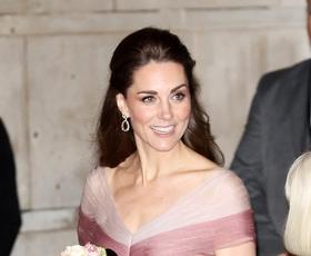 Kate Middleton je nosila Gucci in nas popolnoma očarala!