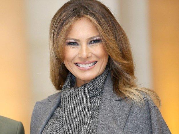 Uganete, na koga nas spominja plašč Melanie Trump? - Foto: Profimedia