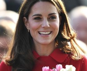 Našli smo čevlje, ki jih je včeraj nosila Kate Middleton (še vedno so na voljo)