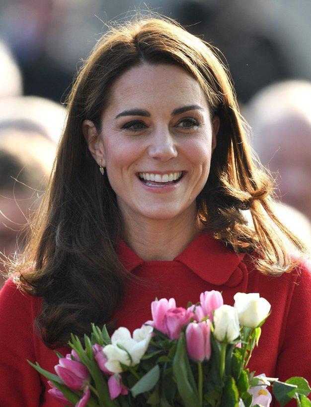 Našli smo čevlje, ki jih je včeraj nosila Kate Middleton (še vedno so na voljo) - Foto: Profimedia