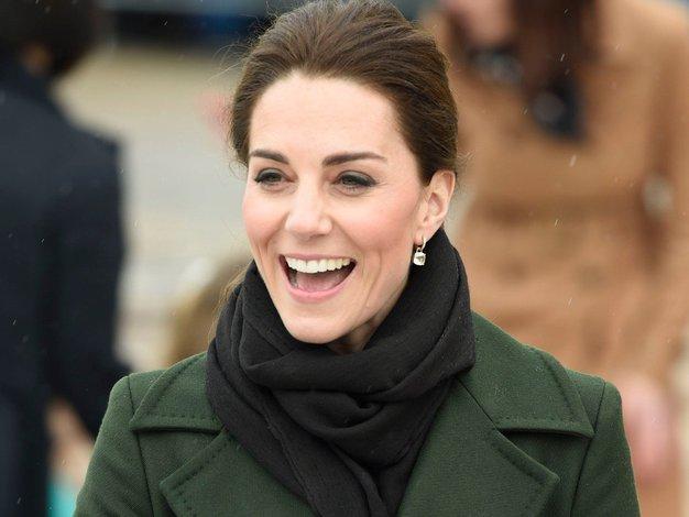 To je torbica, brez katere ne more Kate Middleton - Foto: Profimedia