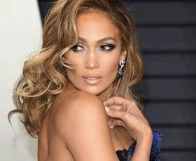 Jennifer Lopez je zaročena! Poglejte ta ogromen prstan!