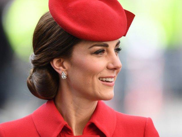 Zaljubili smo se v to bluzo Kate Middleton! - Foto: Profimedia