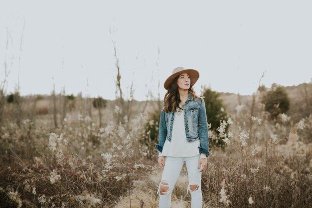Ženske, rojene v teh 3 znamenjih, obožujejo naravo - Foto: Unsplash/ Brooke Cagle