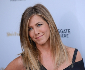 To bo top pulover letošnje jeseni, napoveduje Jennifer Aniston