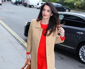 Amal Clooney nas je presenetila s temi drznimi čevlji