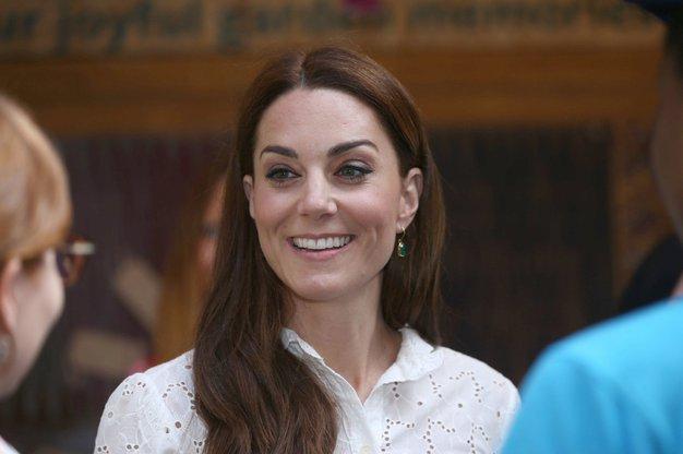 Kate Middleton je danes nosila popolne poletne hlače - Foto: Profimedia