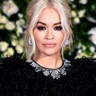 Uau! Rita Ora je nosila eno izmed najlepših oblek doslej