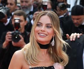 Margot Robbie je nosila Chanel in nas popolnoma navdušila