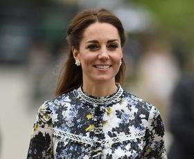 Kate Middleton je bila v tej obleki videti kot prava princesa
