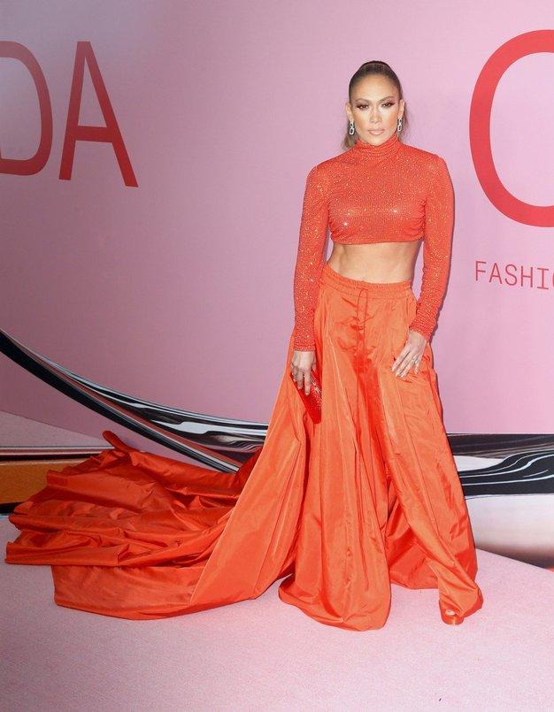 .. Kdo bi si mislil, da je taka modna kombinacija lahko videti tako zelo elegantno?