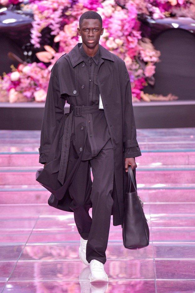Poglejte najlepše kreacije z modne revije Versace
