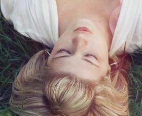 Ženske najbolj uživajo ob takšnih dotikih (glede na horoskopsko znamenje)
