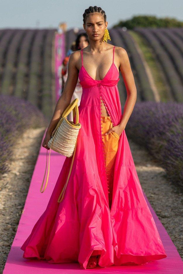 Oglejte si čudovite kreacije z modne revije Jacquemus