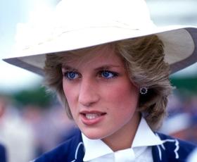 Princesa Diana bi danes praznovala 58. rojstni dan! Poglejte njene najlepše modne trenutke