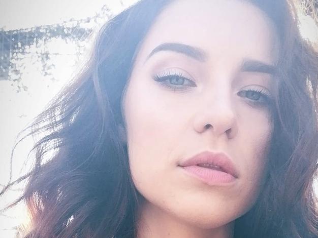 To je šminka, ki jo trenutno obožuje Maja Keuc - Foto: Instagram/ @amayamusicofficial