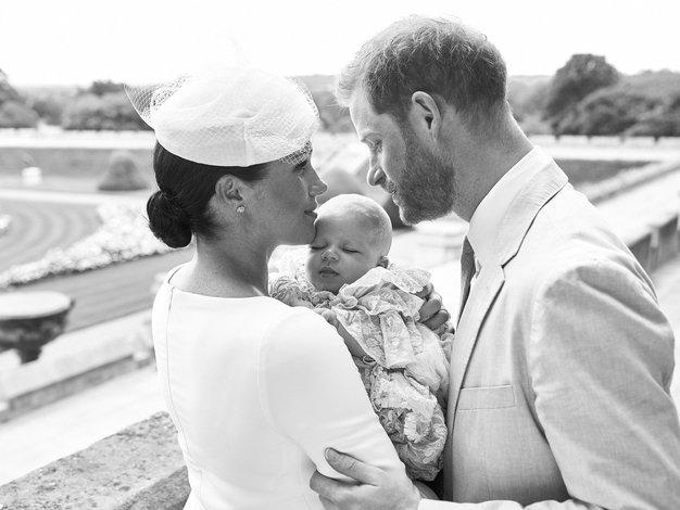 Kako prisrčno! Poglejte vse fotografije kraljeve družine s krsta malega Archija - Foto: Profimedia