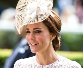 To je ključni modni dodatek Kate Middleton! Poglejte, kje najti dostopne različice