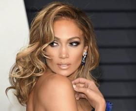 Jennifer Lopez praznuje 50. rojstni dan! Poglejte njene najlepše stajlinge vseh časov!