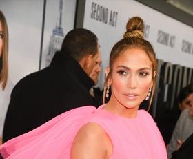 Našli smo ugoden izdelek za sijočo kožo, ki ga obožuje Jennifer Lopez