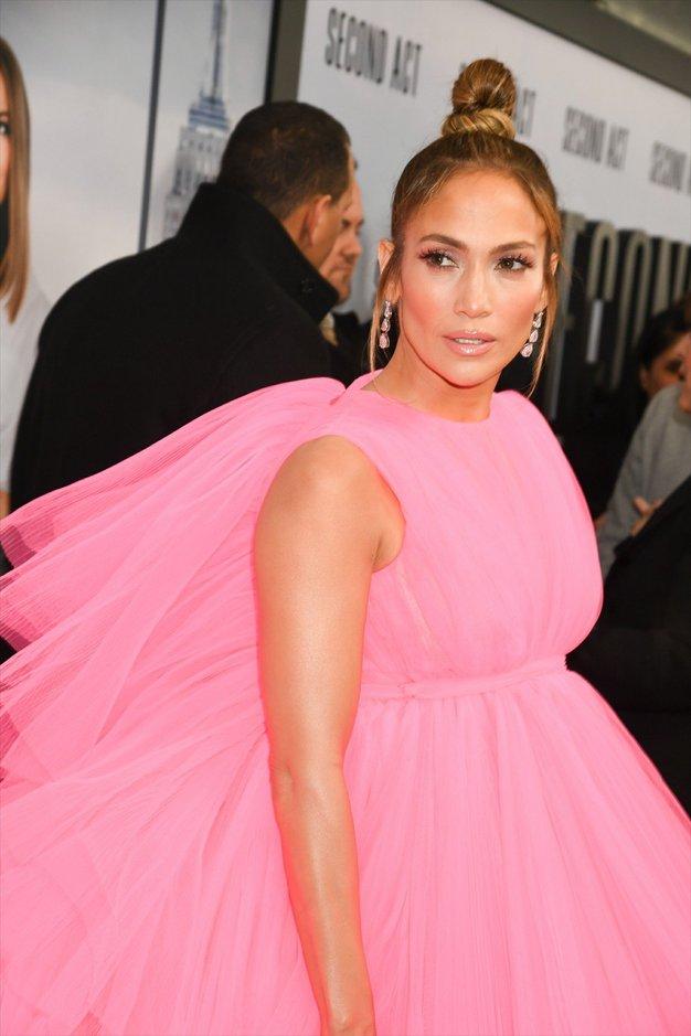 Našli smo ugoden izdelek za sijočo kožo, ki ga obožuje Jennifer Lopez - Foto: Profimedia