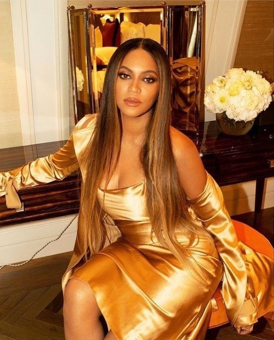 Beyoncé je nosila eno izmed najbolj drznih oblek do sedaj! - Foto: Profimedia