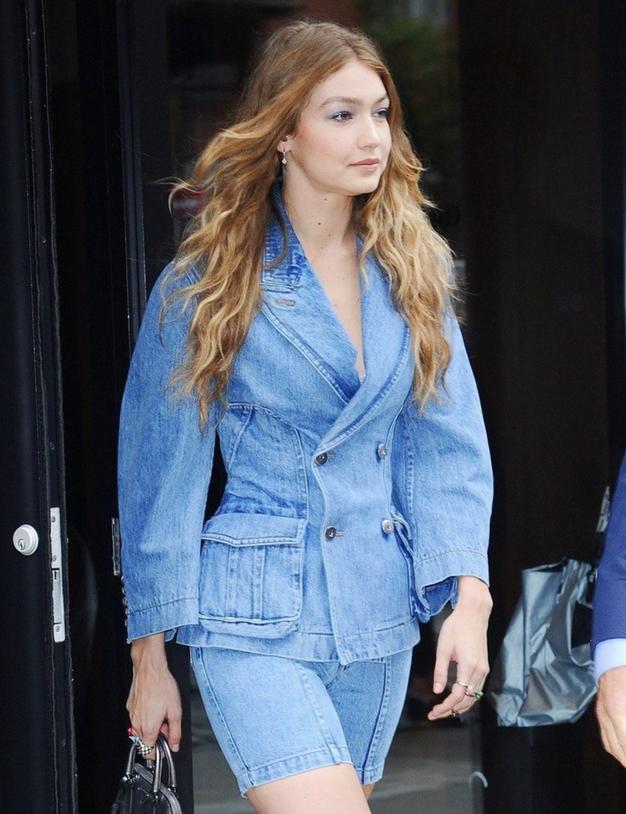 Tako bomo džins nosili letošnjo jesen (navdušeni boste) - Foto: Profimedia