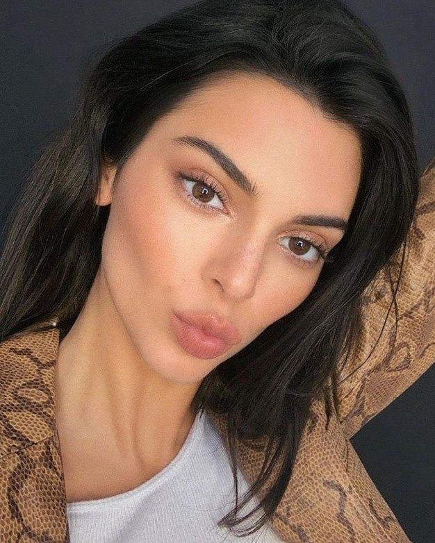 Kendall Jenner - ESTÉE LAUDER, MODERN MUSE LE ROUGE - Foto: Profimedia