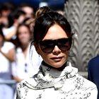 Victoria Beckham nas je navdušila s čudovito belo obleko