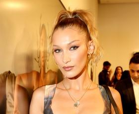 Bella Hadid nas je s tem vintage kosom prepričala na modnem tednu v New Yorku