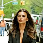 NYFW: Emily Ratajkowski je nov modni trend napovedala že prvi dan