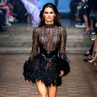 Oglejte si 5 najbolj glamuroznih oblek z modne revije Juliena Macdonalda