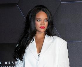 Rihanna se je ostrigla! Poglejte, kako je pevka videti sedaj