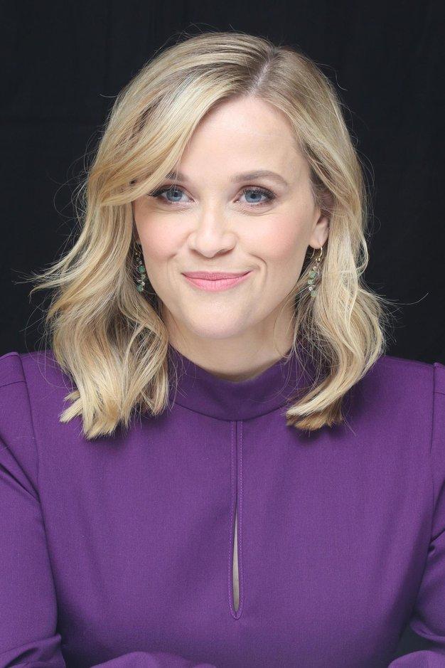 Reese Witherspoon nam je pokazala, kako nositi črno obleko - Foto: Profimedia