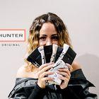 Edinstveno sodelovanje dveh kultnih modnih znamk: Hunter & Susnyara