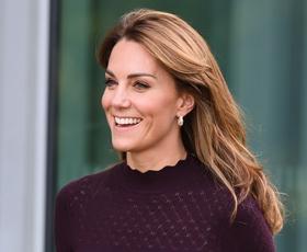 Ne moremo se nagledati obleke, ki jo je Kate Middleton pravkar nosila v Pakistanu