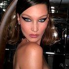 Bella Hadid je s tem stajlingom napovedala nov trend priljubljenega modnega dodatka