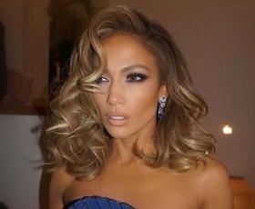 Jennifer Lopez je bila v tej obleki videti kot prava princesa