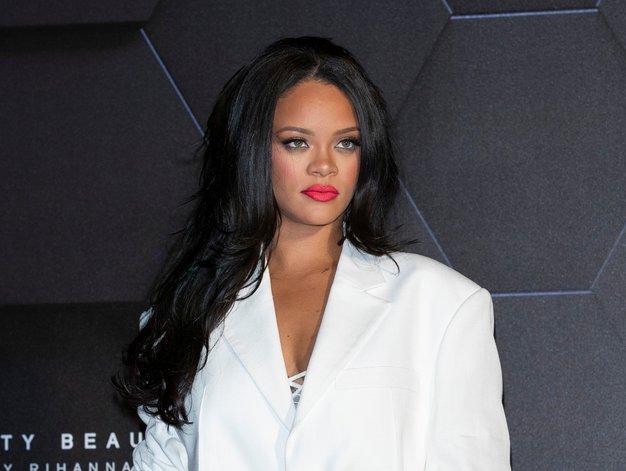 Rihanna je že napovedala, kakšno bo letošnje praznično ličenje - Foto: Profimedia