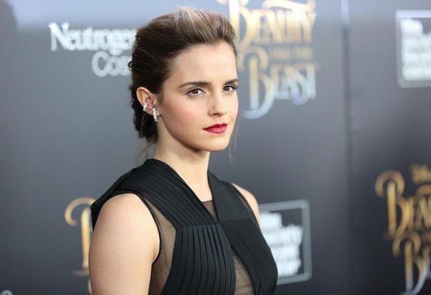 Široke hlače bomo to zimo nosili kot Emma Watson - Foto: Profimedia