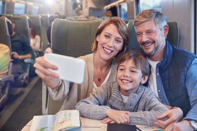 Kako lahko kar najbolje izkoristimo dejstvo, da smo družina (in ob tem uživamo)? - Foto: PROFIMEDIA