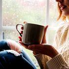 Bi bili radi boljše volje? Skuhajte si kavo (s tem pomočnikom)!