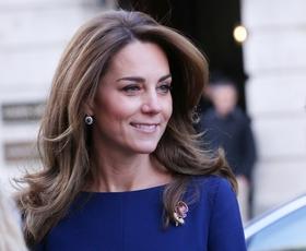 Elegantna zelena obleka Kate Middleton je naš navdih za božični večer