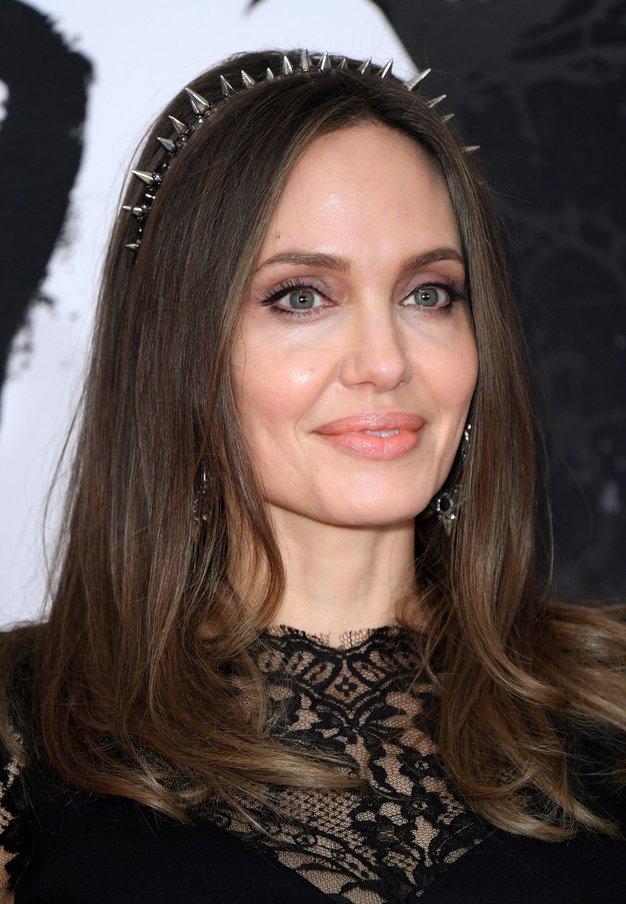 Angelina Jolie je izbrala obleko, ki jo bomo nosili vse letne čase - Foto: Profimedia