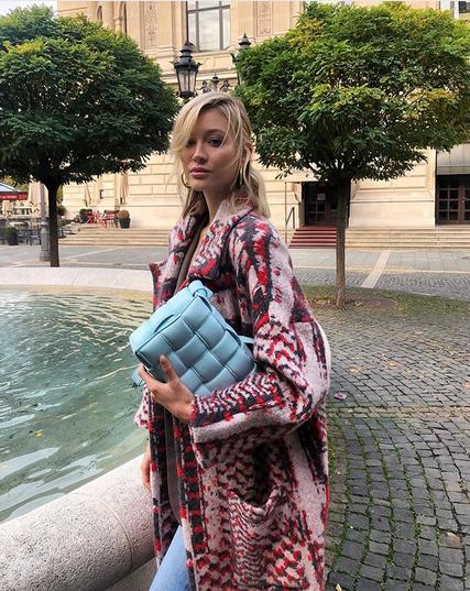 6 najboljših prešitih torbic, ki sledijo top trendu sezone - Foto: Instagram