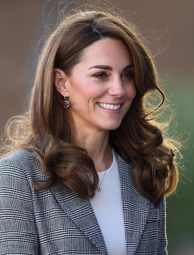 Kate Middleton je nosila ta blazer, ki je kot nalašč za letošnjo zimo - Foto: Profimedia