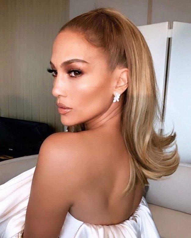 Pozabite na klasičen bob, Jennifer Lopez se je ostrigla tako - Foto: Profimedia