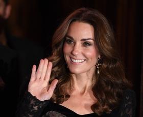 Kate Middleton je blestela v čudoviti prosojni obleki