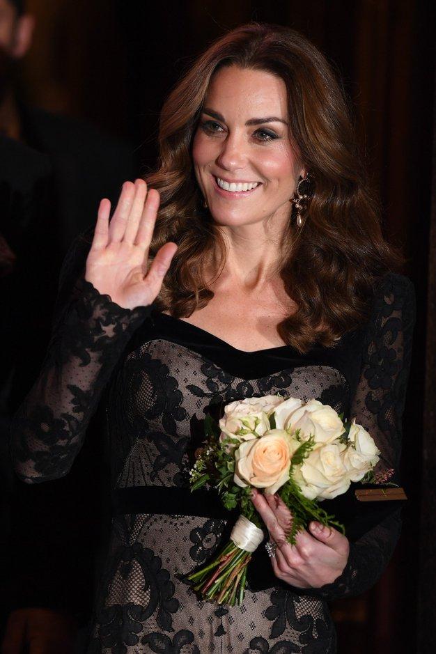 Kate Middleton je blestela v čudoviti prosojni obleki - Foto: Profimedia