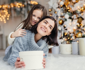 Decembrska zapoved: nosite nasmehe in jih delite dalje!